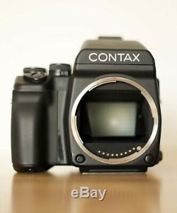 Contax 645 Medium format camera / Lens 80mm Zeiss / Grip Holder
